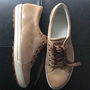 Ecco. Sneakers